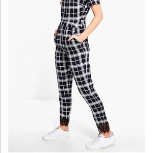 Fitted plaid jumper with lace ankle detail